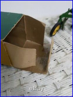 1/16 Eska Farm Toy John Deere 4 bottom plow in box