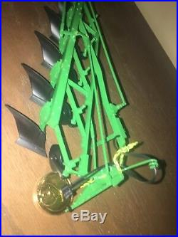 1/16 John Deere Precision Classic #6 F143 5 John Deere Bottom Plow