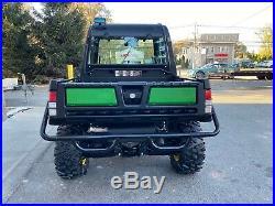 ENCLOSED JOHN DEERE DE LUXE XUV 825i GATOR 4X4, POWER DUMP, POWER STEERING, PLOW