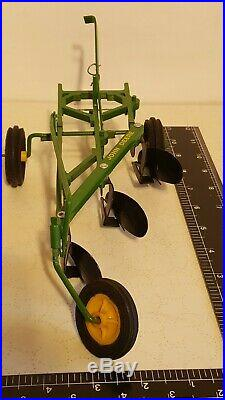 Ertl John Deere Custom 3b Plow 1/16 diecast farm implement replica collectable
