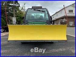 JOHN DEERE XUV 825i GATOR DE LUXE 4X4, POWER DUMP, POWER STEERING, HYDRAULIC PLOW